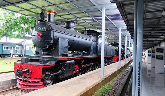 Koleksi Lokomotif Uap di Museum Kereta Api Ambarawa