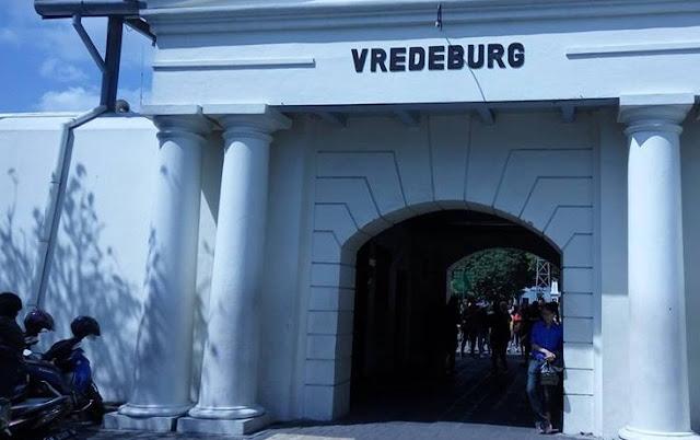 Ke Masa Lalu Jogja dari Benteng Vredeburg