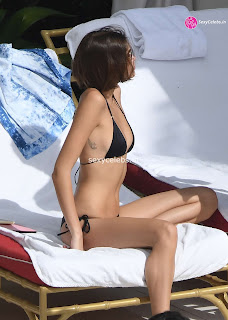 Kaia Gerber in tiny wet black bikini tongue kissing Pete Davidson in Miami Beach Pool Celebs.in Exclusive 014