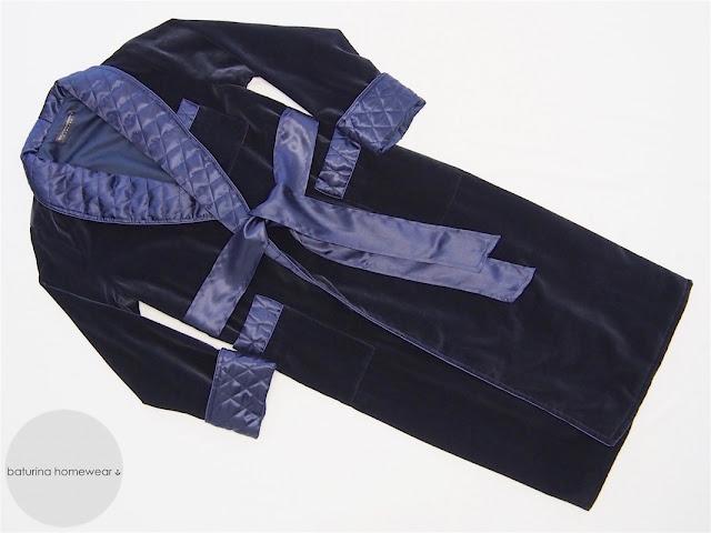 hausmantel herren marine blau dunkel morgenmantel luxus edel elegant gesteppt gefüttert klassisch exquisit englisch