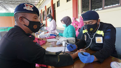 Sambut HUT Brimob Polri ke 75, Satbrimobda Banten Baksos Donor Darah