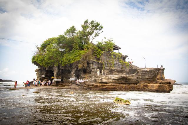 Tempio di Tanah Lot-Bali