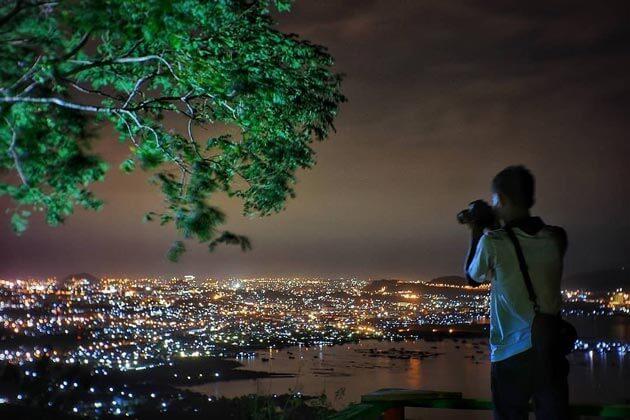 Foto Muncak Tirtayasa Malam Hari