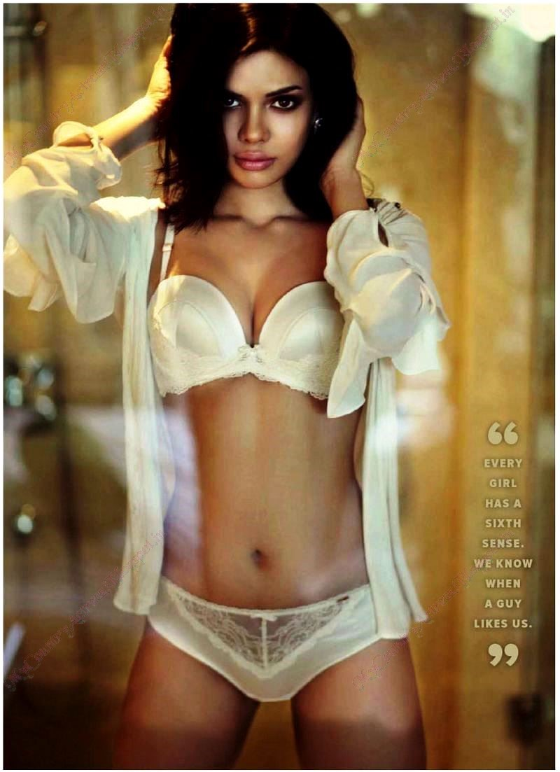 Hindi actress sara loren hot lingerie poses for maxim magazine Sexy 30