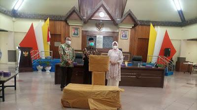 DPR RI Serahkan Bantuan Alat Kesehatan Kepada Pemkot Parepare
