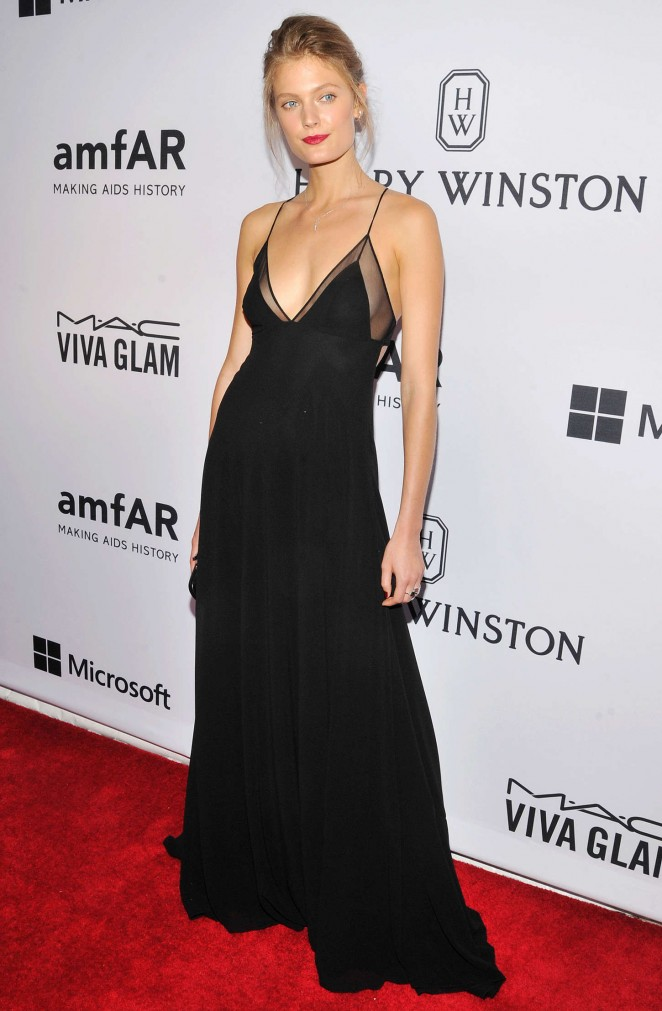 Constance Jablonski shows skin at the 2015 amfAR Inspiration Gala in NY