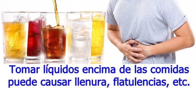 Para mejorar la digestión debes tomar agua o zumos de frutas varios minutos antes de comer