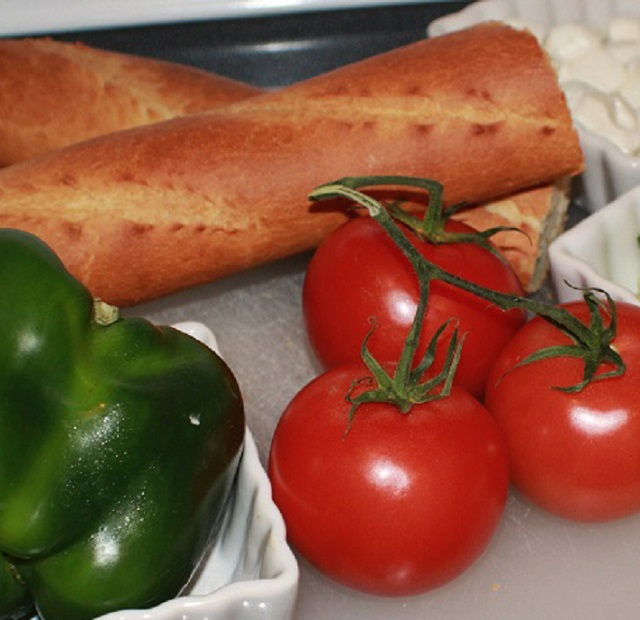 vine ripe tomatoes, bell pepper and french bread