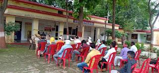 थाना रेढर द्वारा थाना प्रांगण में सम्भ्रान्त व्यक्तियों के साथ आगामी त्यौहार ईद-उल-जुहा(बकरीद) ,रक्षाबंधन, के सम्बन्ध में पीस कमेटी की बैठक -पुलिस अधीक्षक जालौन                                                                                                                                                 संवाददाता, Journalist Anil Prabhakar.                                                                                               www.upviral24.in