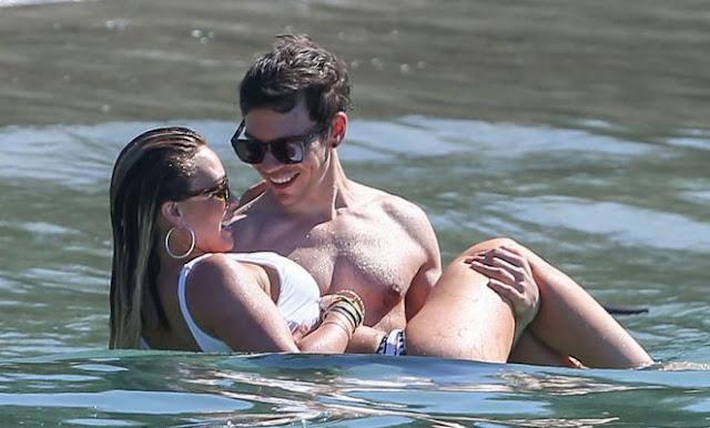 Hilary Duff – Bikini Candids in Costa Rica