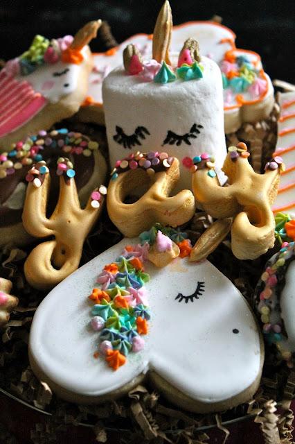 unicorn cookies, birthday cookies @www.thecookiecouture.com