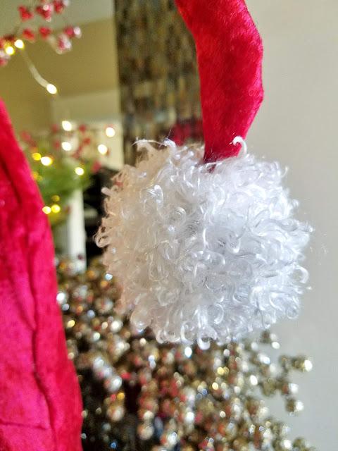 Santa hat diy pom pom