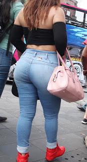 chava nalgona jeans pegados