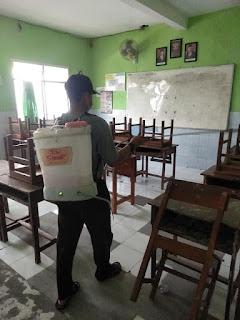 Cegah Corona, Sekolah Ini Lakukan Penyemprotan Disinfektan Secara Mandiri