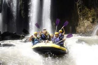 http://www.wisatabromorafting.com/2015/09/paket-wisata-bromo-rafting-2-hari-1-malam.html