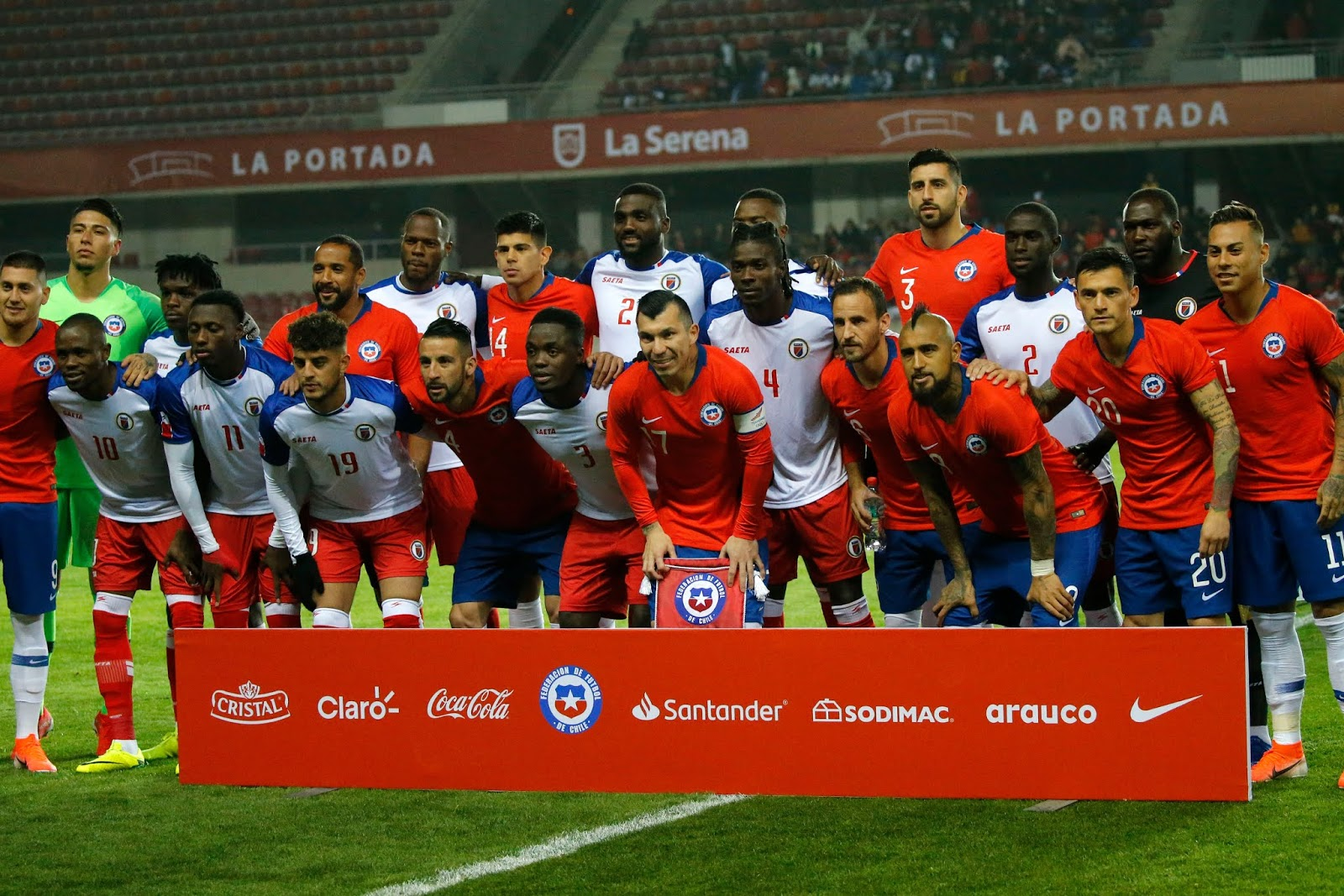Titulares de selecciones de Chile y Haití, amistoso disputado el 6 de junio de 2019