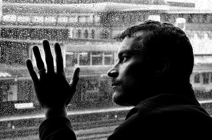 كيف تتخلص من الذكريات السيئة والماضي الحزين