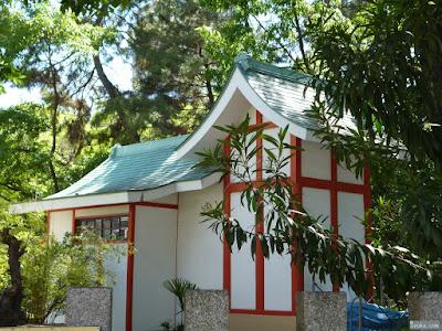 稲荷神社本殿