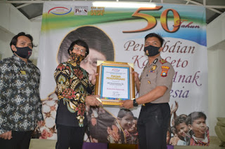 Kapolres Karimun Dianugerahi Penghargaan Sebagai Kapolres Sahabat Anak Oleh Kak Seto Award 2020