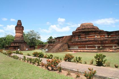 Kerajaan Hindu-Buddha di Indonesia :  Kerajaan Kalingga dan Kerajaan Sriwijaya