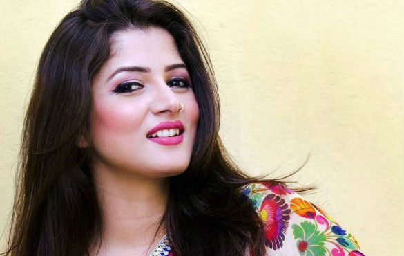 Srabanti Chatterjee photo