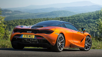 "The fastest car in the world ""McLaren 720 S"" - pictures and video"