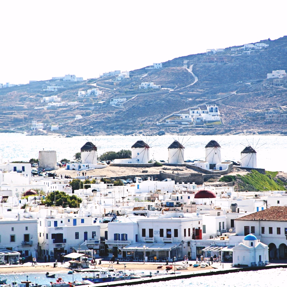 Mykonos island port photos, travel blogger in Greece