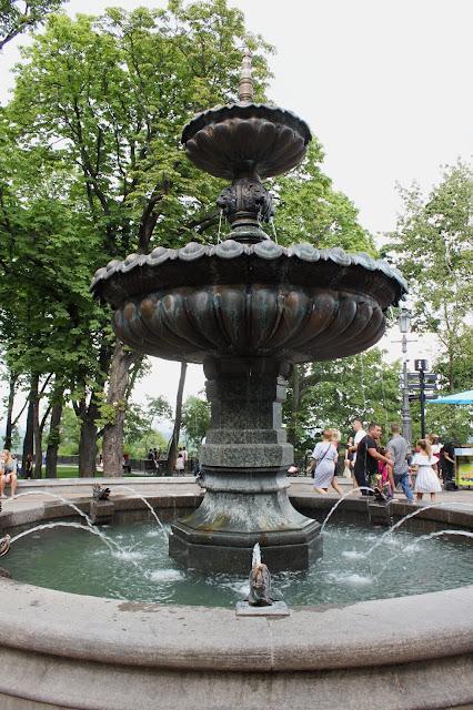 Новый фонтан на Владмирской горке