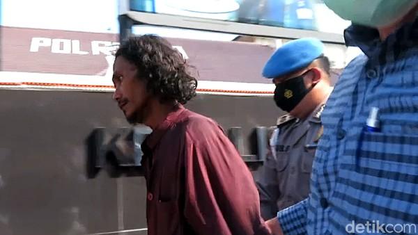 Polisi Bawa Pria Bergolok Penyerang Mapolresta Yogya: Cek Kejiwaan