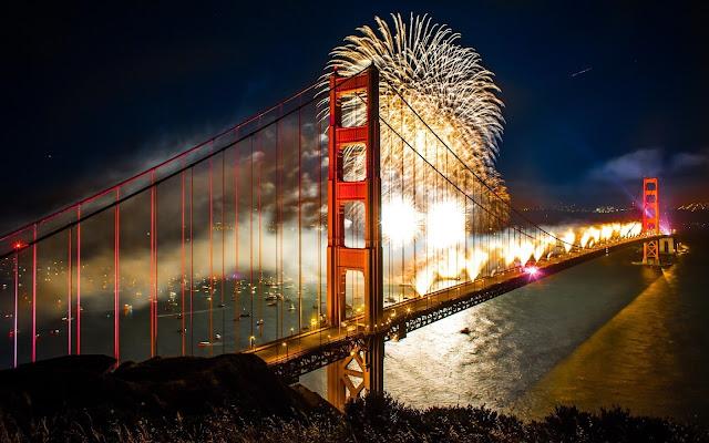 Mares luces de la noche de los fuegos artificiales barcos puente puentes Golden Gate San Francisco embarcaciones nuevas ciudades año fondo de pantalla Esta es la previsualización de la imagen 2560x1600. Se puede guardar en su dispositivo. - martalucia12