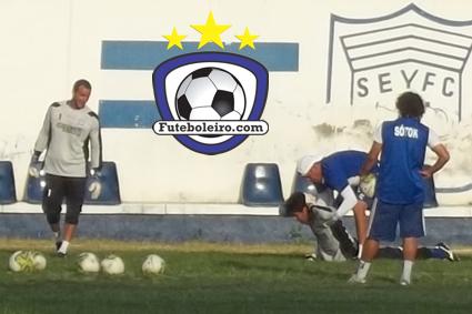 eb67a20cba Futeboleiro.com  Dezembro 2011