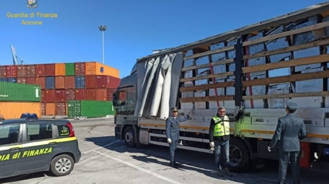 19 tons of household appliances waste seized in Ancona ready to be shipped to Albania
