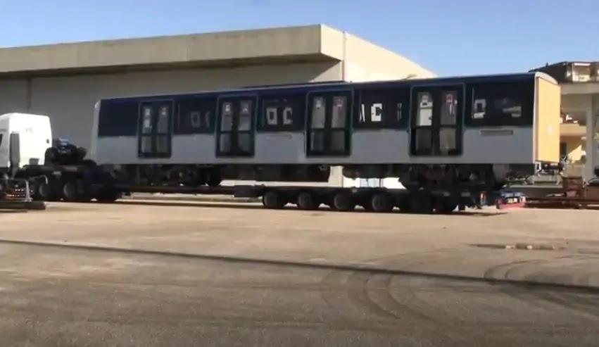 Treno nuovo al deposito di Piscinola
