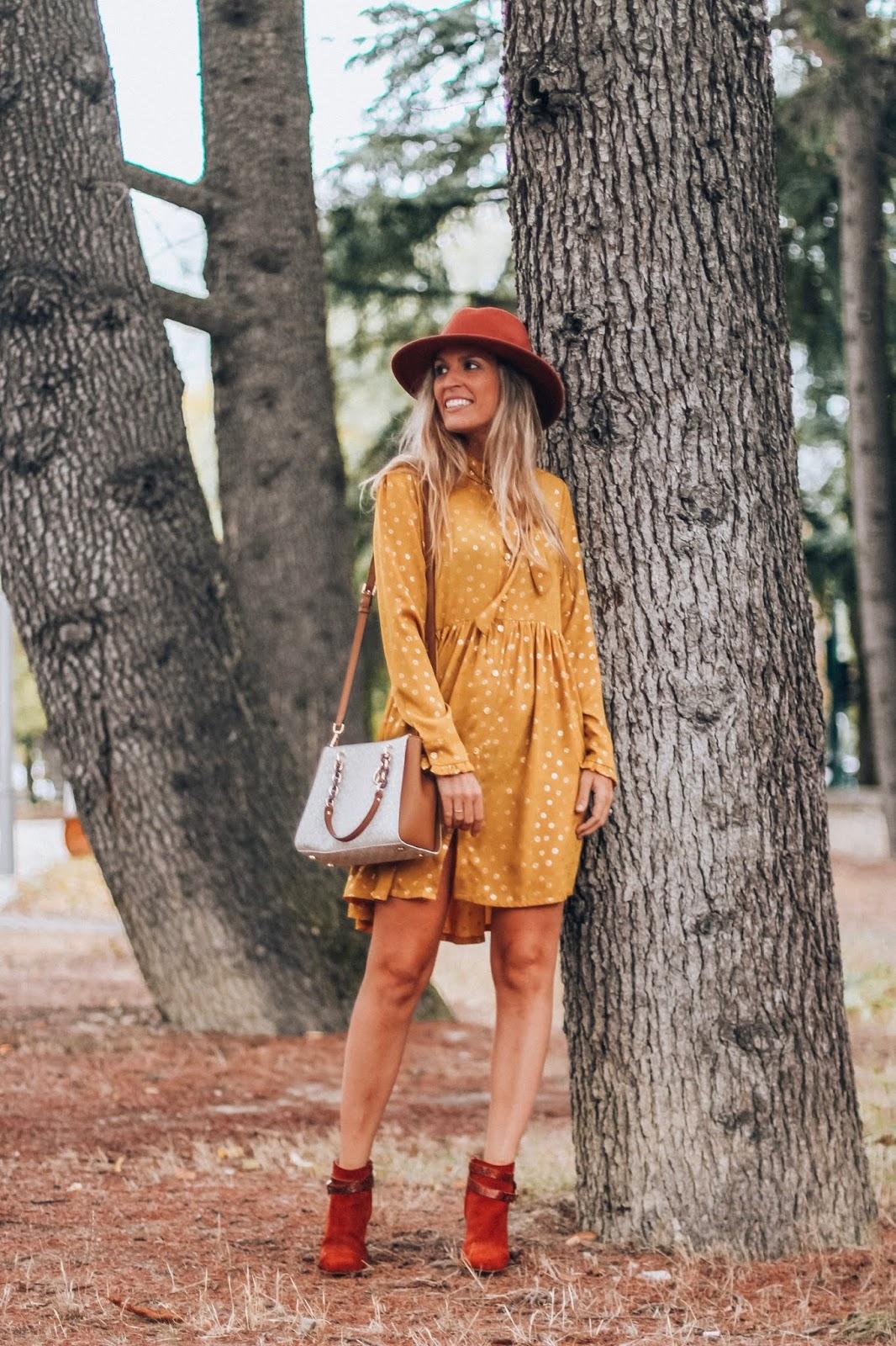 vestido amarillo mostaza