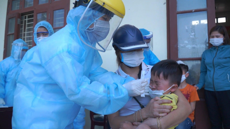Trẻ em mắc Covid-19 không đủ điều kiện chữa tại nhà thì điều trị ở đâu