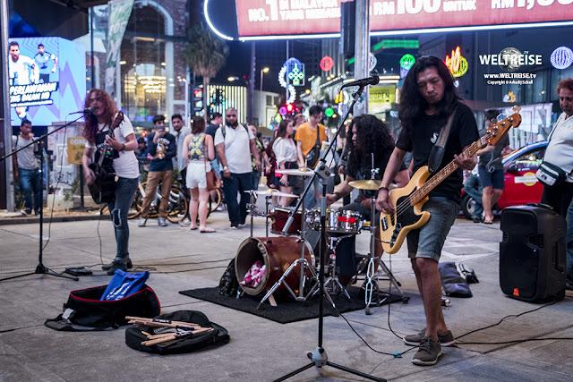 Malaysische Straßenmusiker in Malaysia www.WELTREISE.tv