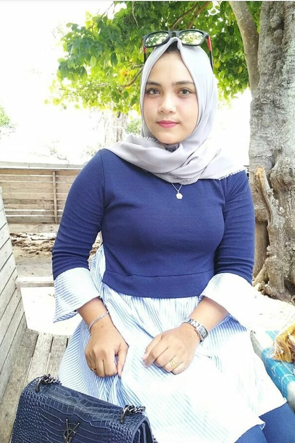jilbab dalam bahasa arab cewek seksi dan mahasiswa seksi