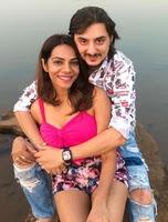 tanvi thakkar with her husband
