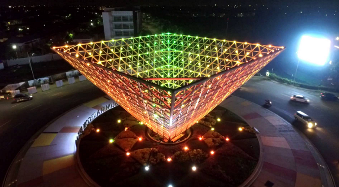 Wisata Bekasi Piramida Terbalik Summarecon