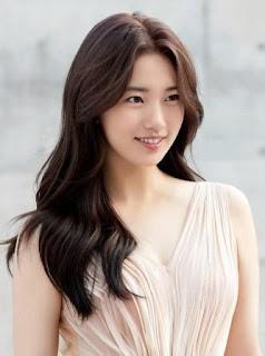 biodata pemain vagabond - Bae Suzy Sebagai Go Hae-ri