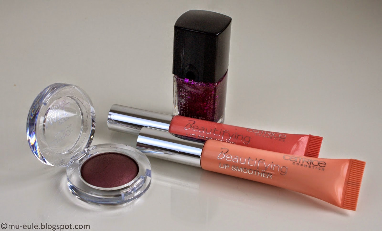 http://mu-eule.blogspot.de/2014/07/catrice-beautifying-lip-smoother.html