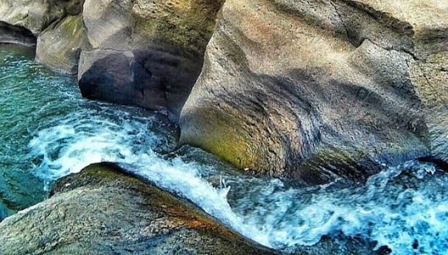harga tiket masuk air terjun luweng sampang, air terjun luweng sampang gunung kidul jogja, lokasi air terjun luweng sampang, alamat air terjun luweng sampang, tiket masuk air terjun luweng sampang, rute jalan menuju air terjun luweng sampang