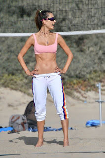 alessandra ambrosio plays beach volleyball 10 24 2020 6