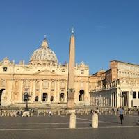 Vaticano envolvido em esquema de lavagem de dinheiro envolvendo hospitais e instituições de caridade