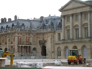Castle Versailles could house a luxury hotel in one of its buildings