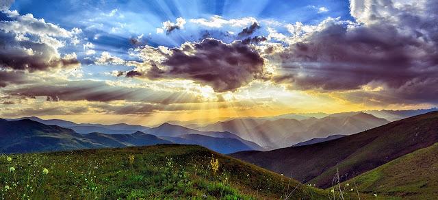 أفضل الخلفيات للسحاب والسماء والطبيعة