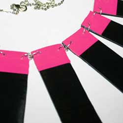 How to cut and mold vinyl reords to make accessories and jewellery