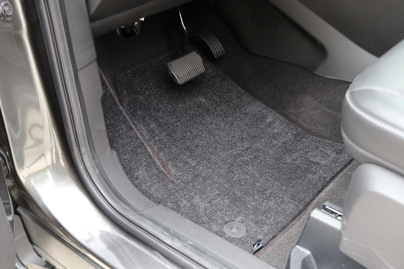 We selected a set of lloyd mat ultimat custom fit carpet floor mats for the 2017 ford escape these plush carpet floor mats are custom fit for the vehicle