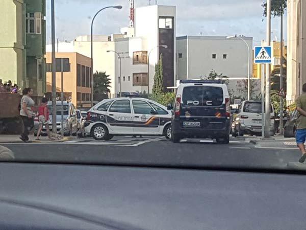 Un hombre muere en la calle Córdoba del polígono de Sab Cristobal,  Las Palmas de Gran Canaria, por disparos