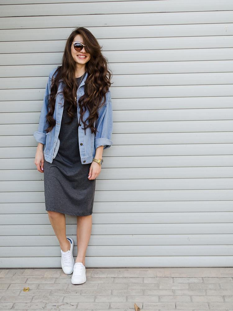 fashion blogger outfit denim jacket grey midi dress white sneakers